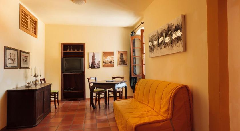 Two-Bedroom Apartment with Balcony La Piazzetta