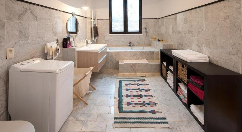Bathroom Holiday Home Sablon Justice Brussels