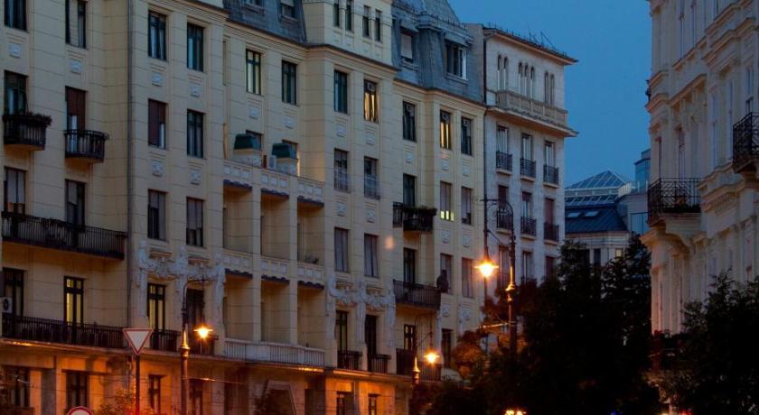 """Résultat de recherche d'images pour """"Budapest City Central"""""""