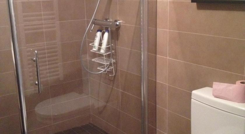 One-Bedroom Apartment - Fourth floor  - Shower Palais D'azur