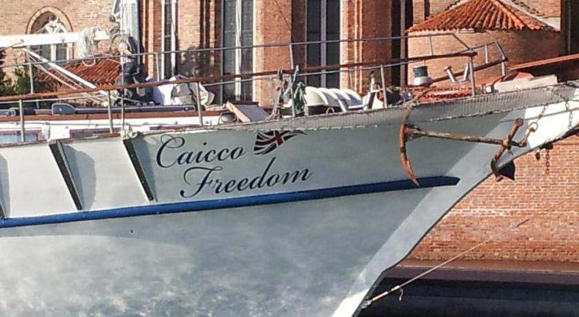 More about Venezia Boat & Breakfast Caicco Freedom