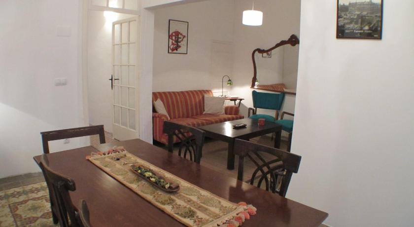 Three-Bedroom Apartment - Ground Floor Barcelona4Seasons - Gràcia