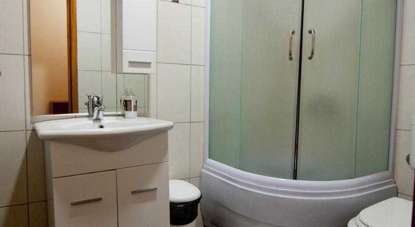 Double Room - Bathroom Motel Kolo