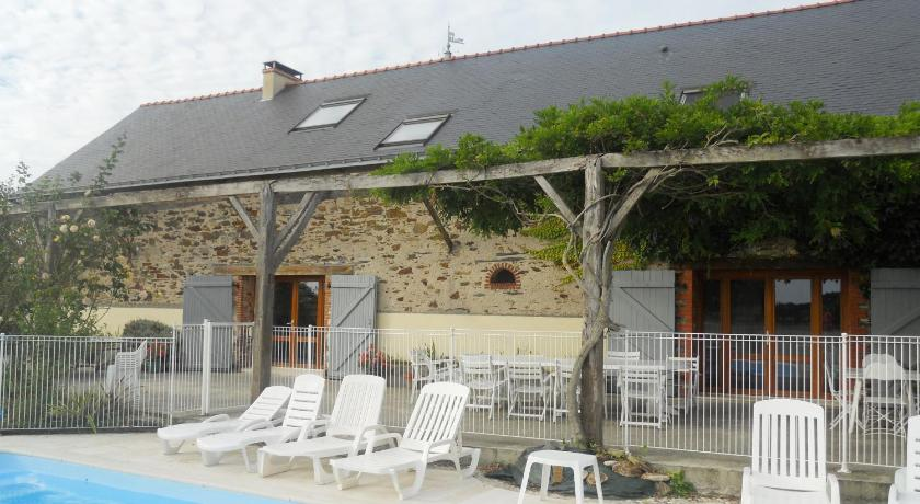More about Logis Du Patis Roux
