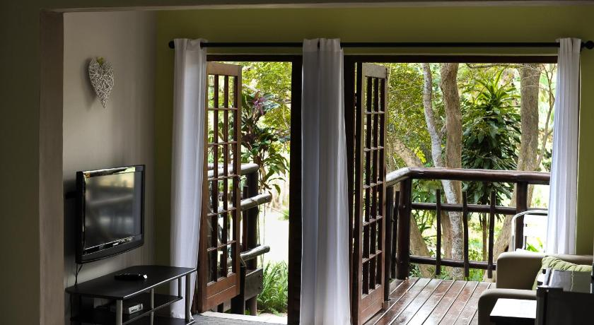 Large Double or Twin Room - Guestroom Umtamvuna River Lodge