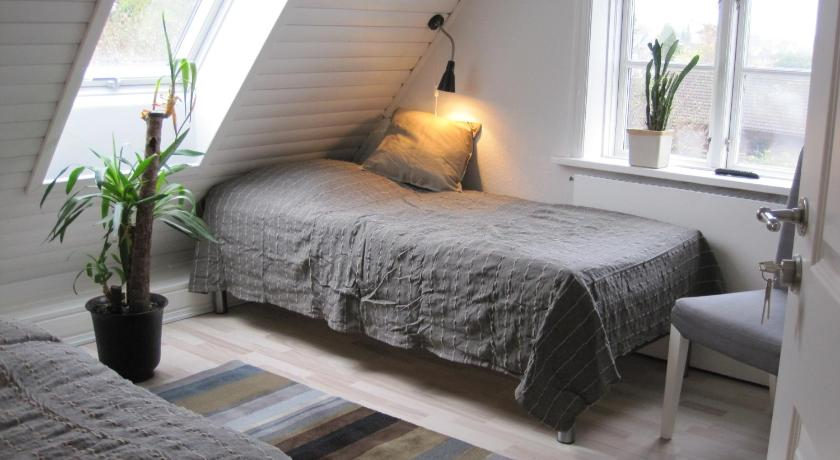 guesthouse copenhagen beach kopenhagen. Black Bedroom Furniture Sets. Home Design Ideas