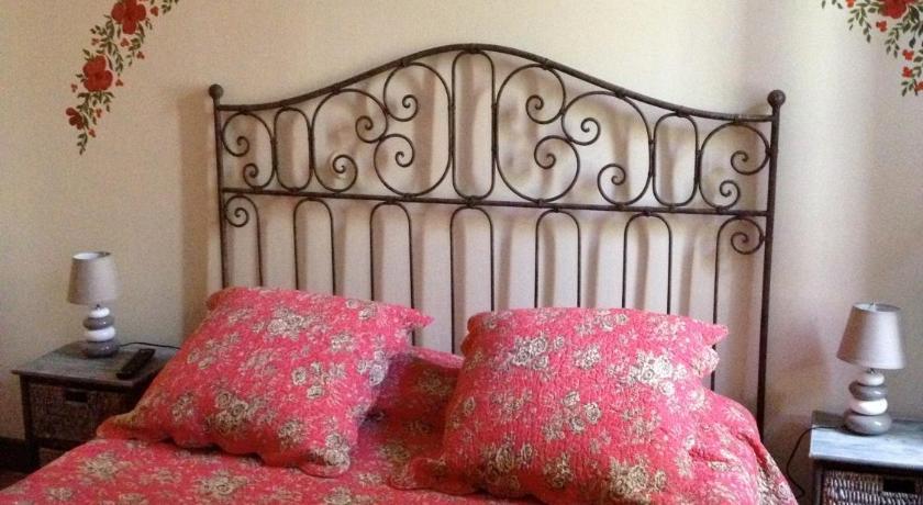 une chambre en ville | book online | bed & breakfast europe