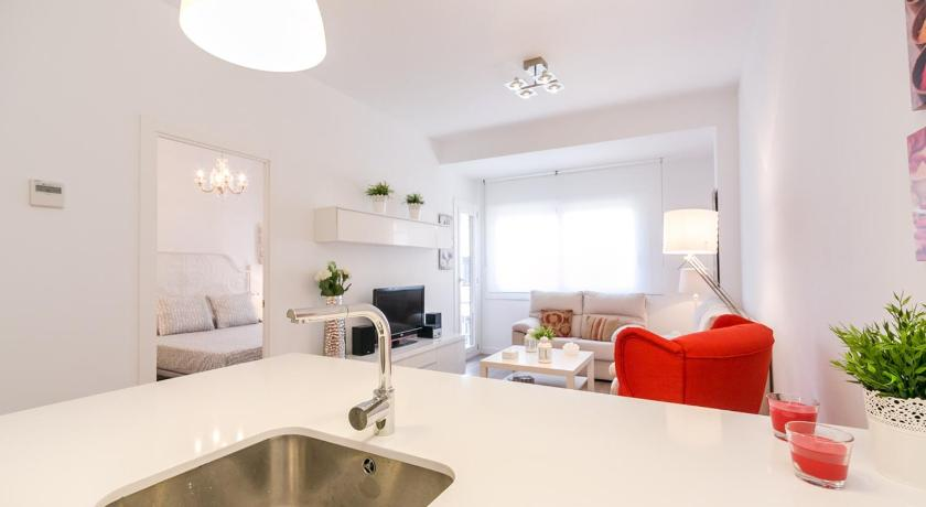 Three-Bedroom Apartment - Separate living room Barcelona4Nights Sants Station