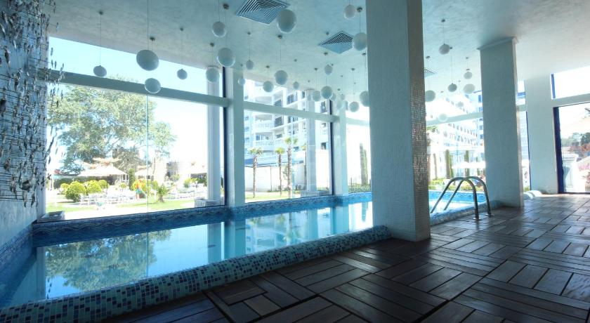 Swimming pool Metropol Spa Hotel