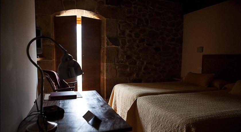 hoteles con encanto en somahoz  24
