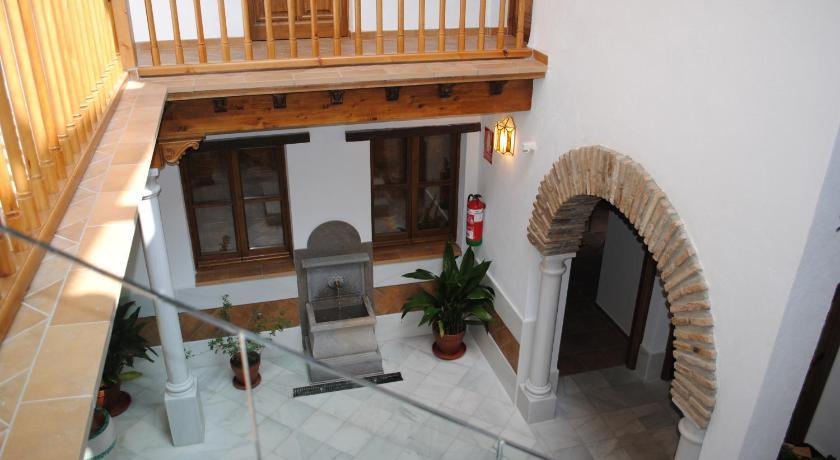 Apartamentos Turísticos Alhambra Placeta de las Escuelas, 2 (San Juan de los Reyes esquina Zafra) Granada