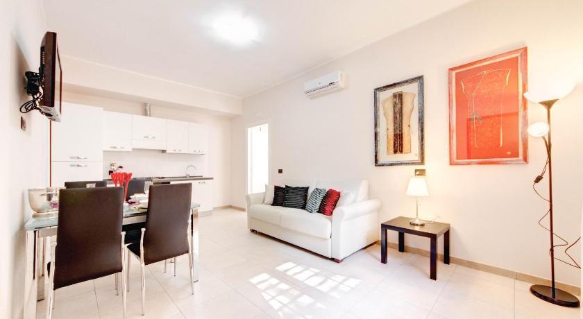 Olimpo apartments st john in lateran prenota online for Appartamenti arredati roma