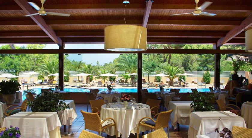 Hotel Sa Punta 32