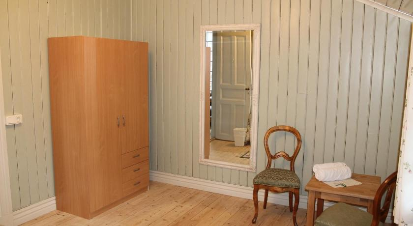 Double Room with shared bathroom room - Guestroom Saleby Gård Bed and Breakfast