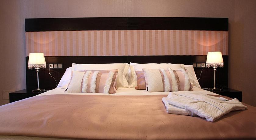hoteles con encanto en traguntia  17