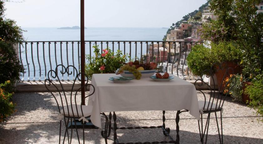 Standard Double or Twin Room with Sea View - View Villa Rosa