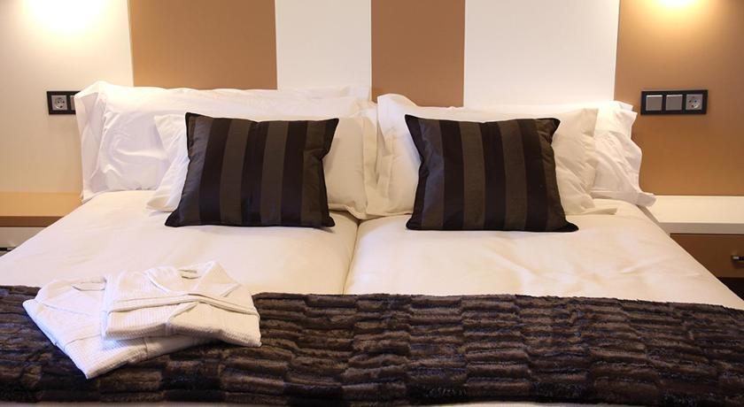 hoteles con encanto en traguntia  13