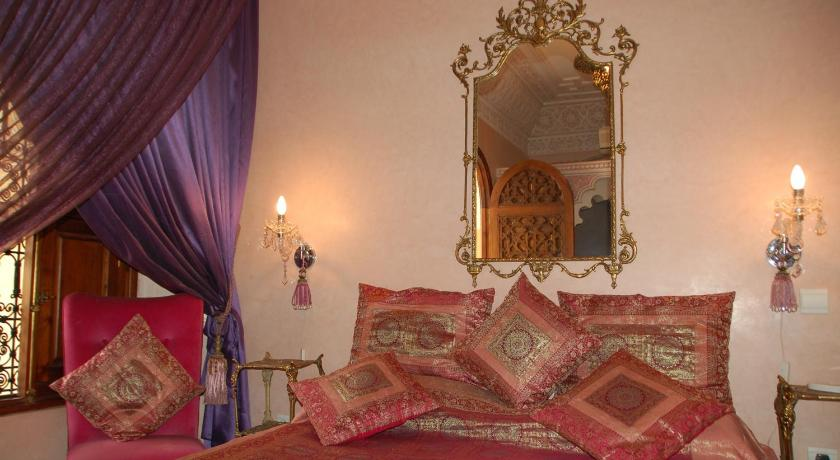 Jawahir Double Room Riad Fatinat Marrakech