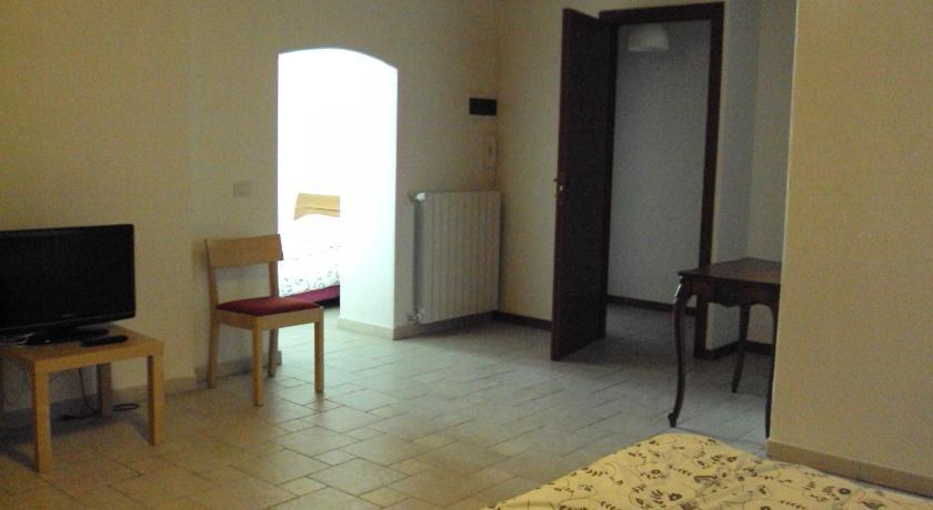 B&B La Corte Del Borgo Antico Vico I San Francesco Della Scarpa 12 Bari