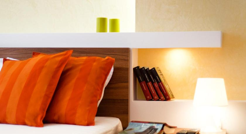 Cazare la  6 Apartments Predeal