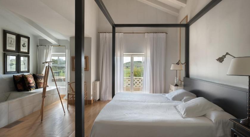 hoteles con encanto en palamós  3