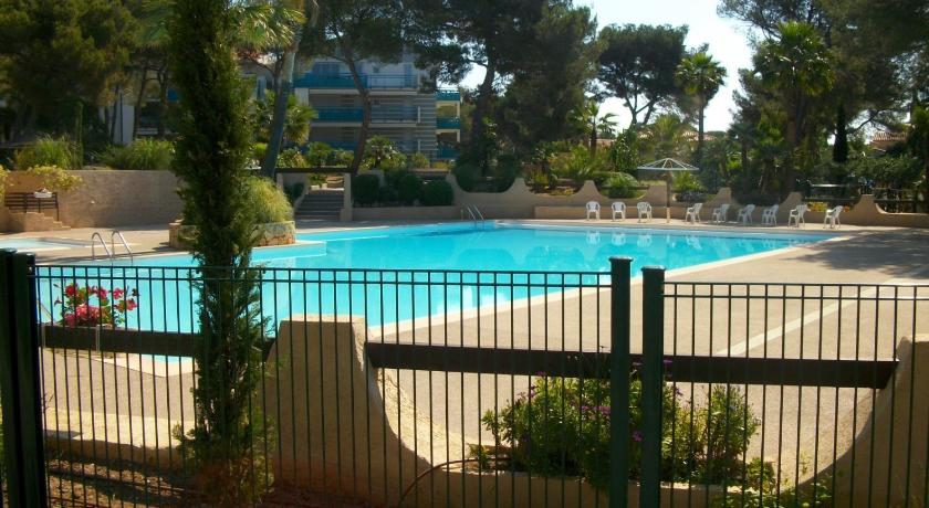 Schwimmbad Appartment Boulouris