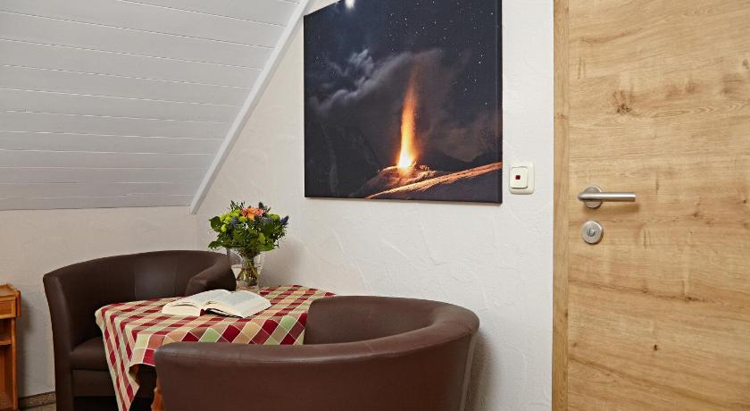 Double Room - Separate living room Alpstein Appartements