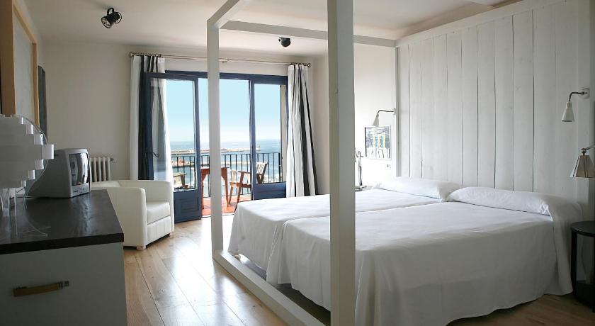 boutique hotels palamos  14