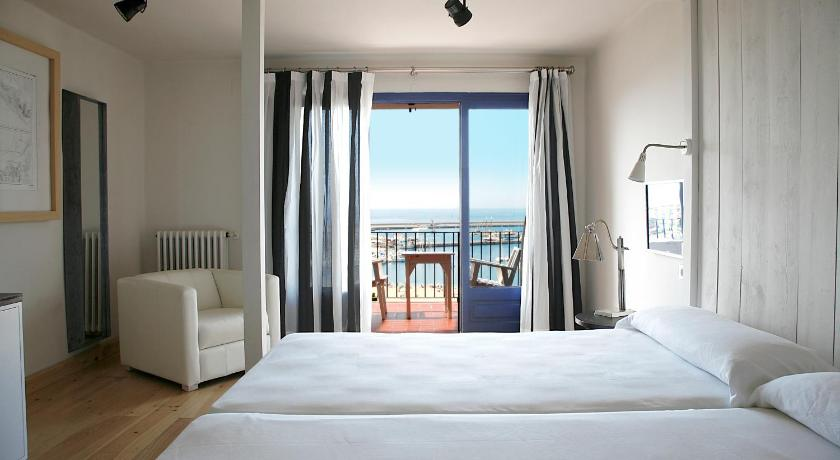 boutique hotels palamos  13