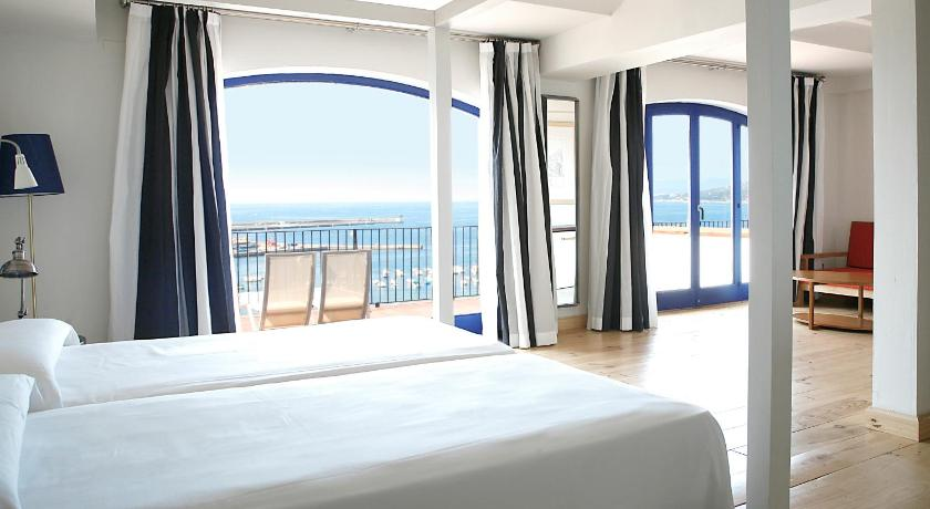boutique hotels palamos  11
