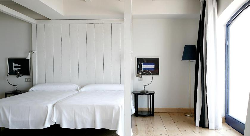 boutique hotels palamos  22