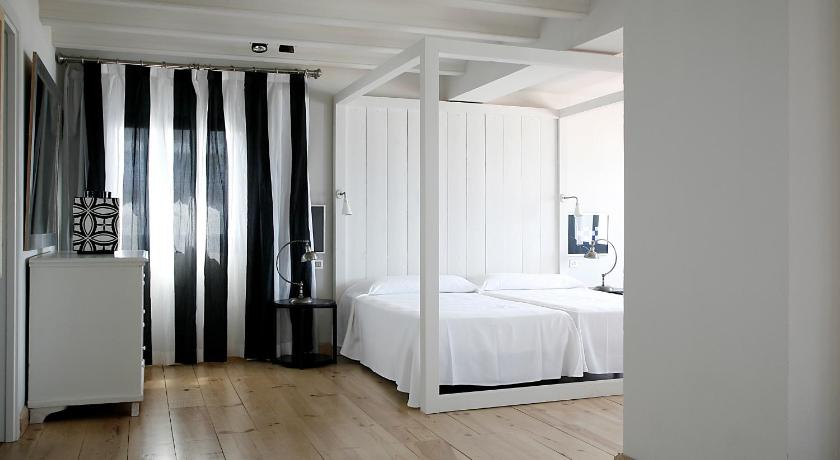 boutique hotels in palamós  48