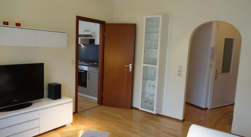 Ferienwohnung huttenstrasse 22c online buchen bed for Ubernachten in wurzburg