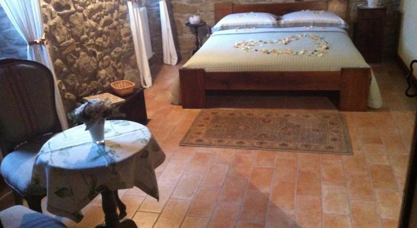 See all 40 photos Corte Del Sasso - Room and Breakfast