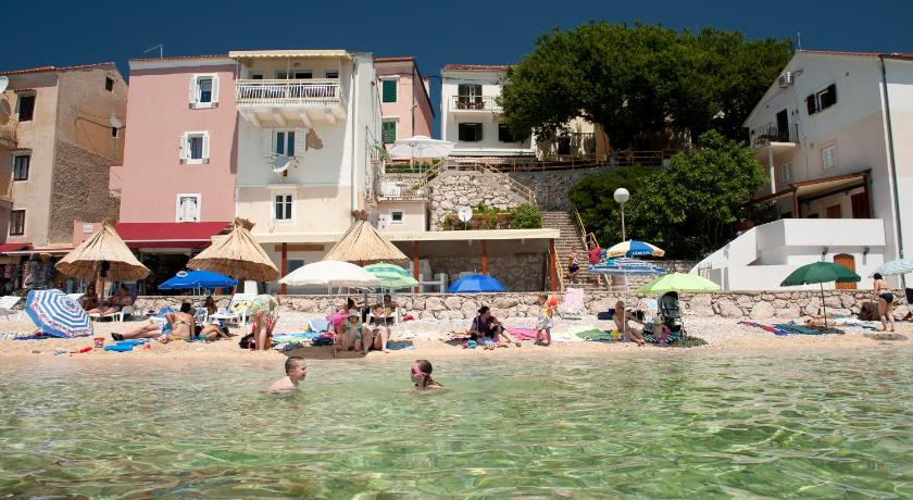 Beach Apartments Authentic Baska 1