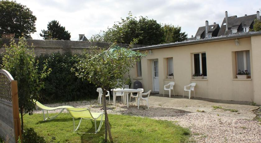 Holiday Home La Lutaine Luc Sur Mer