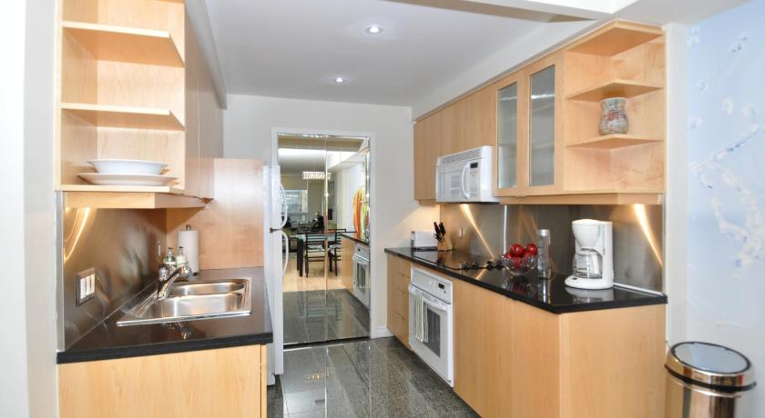 Alle 40 ansehen Yonge Suites Furnished Apartments
