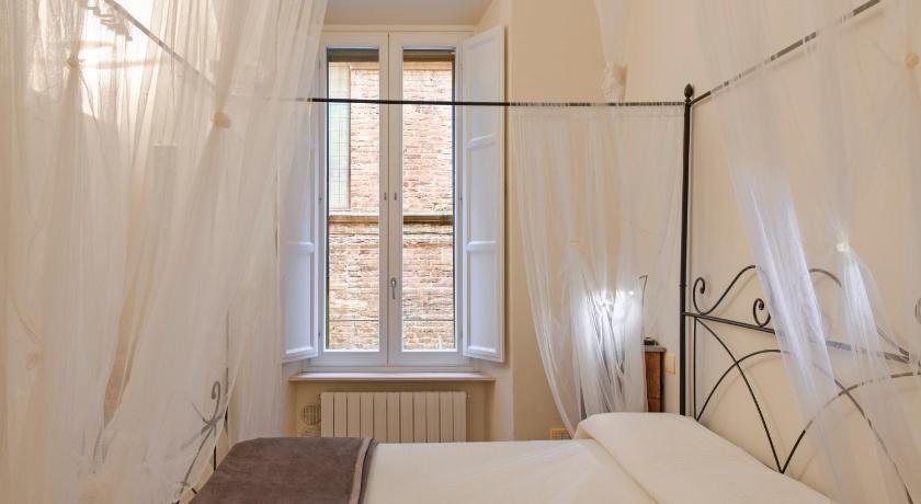 B&B Quattro Cantoni Via San Pietro 30 Siena