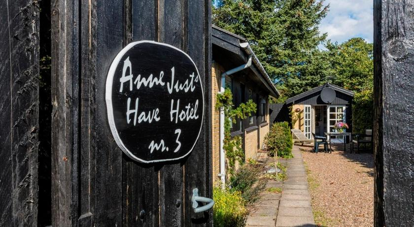 Anne Just's Havehotel