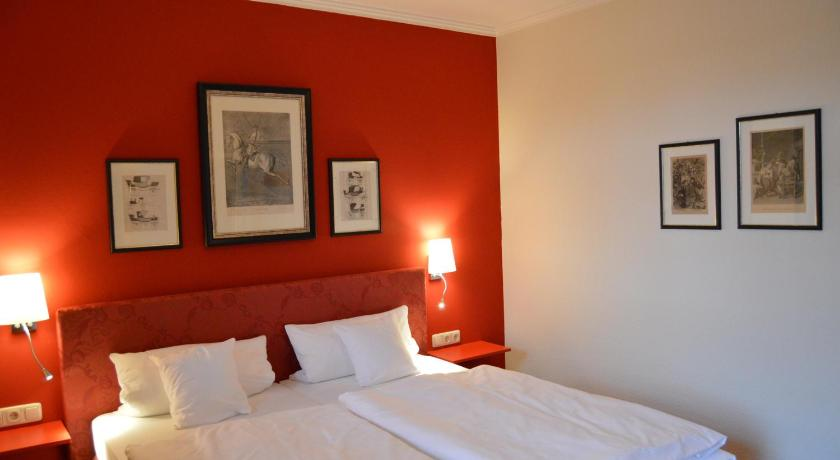 Double Room with Balcony - Guestroom Gasthof zum Storch