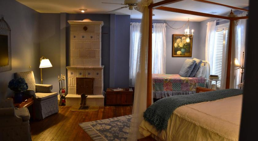 Double or Twin Room with Extra Bed - The Larkspur The Inn at Union Pier