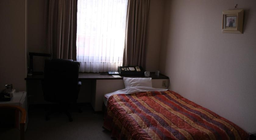 Double Room with Small Double Bed - Guestroom Shingu Central Hotel