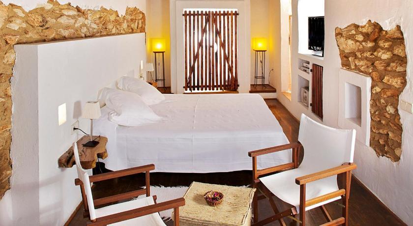 hoteles con encanto en sant joan de labritja  58