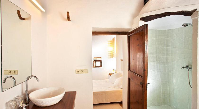 hoteles con encanto en sant joan de labritja  56