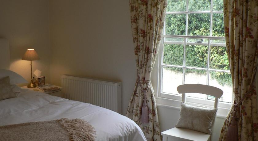 Double or Twin Room with Private External  Bathroom Chart Hill Cottage Bed & Breakfast