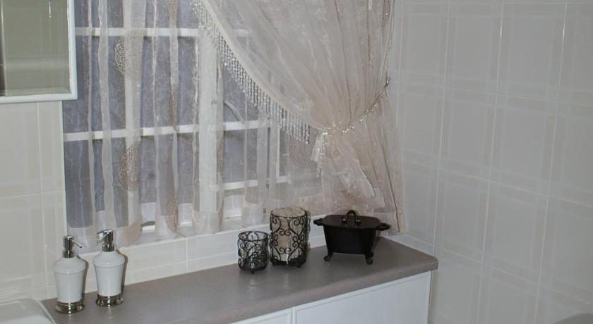 Super Deluxe Double Room - Bathroom Anne's Place