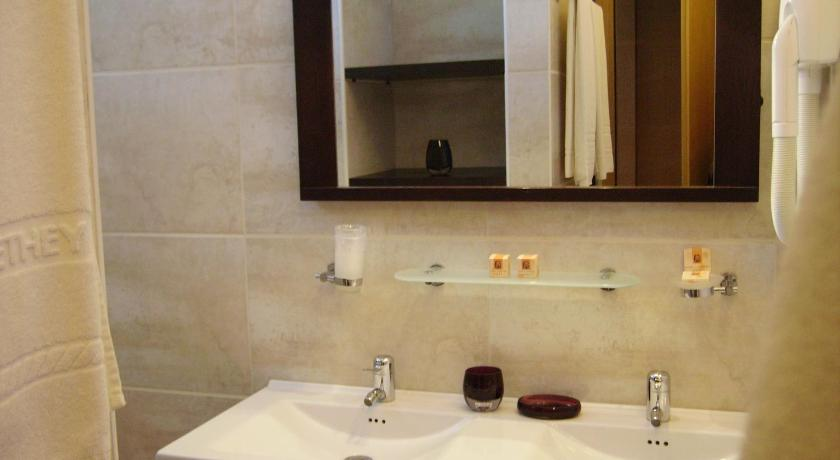 Deluxe Double or Twin Room - Bathroom Hotel Degli Haethey