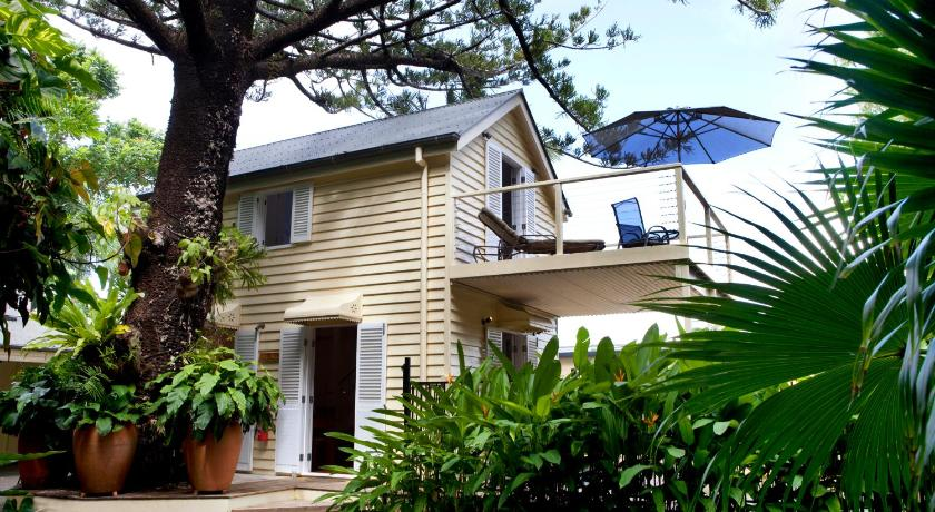 Port Douglas Cottage & Lodge