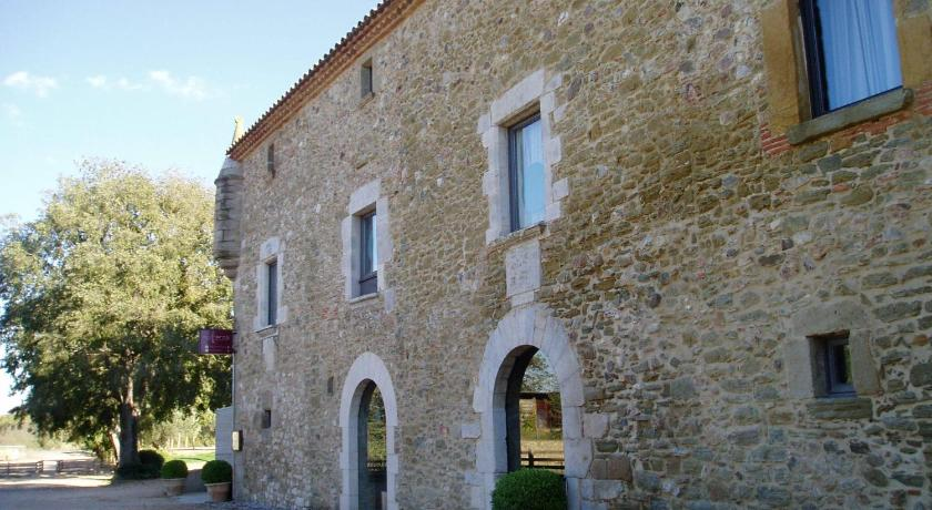 boutique hotels in monells  9