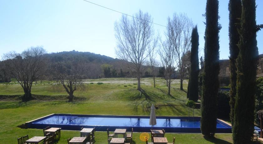 boutique hotels in monells  3
